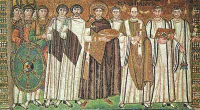 Justiniano y su corte. Mosaico del mural de Ravena, Saint Vitale.