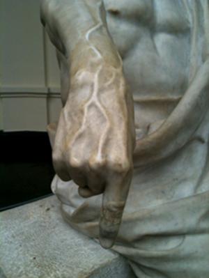 Matte Bello, Rebeca. Horacio (El viejo Horacio). Detalle: dedo índice. 1900. Escultura en mármol. Museo Nacional de Bellas Artes, Chile. Fotografía: Paz Vásquez