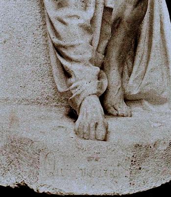 """Matte Bello, Rebeca. Horacio (El viejo Horacio). Detalle: Inscripción """"Qu'ilmourut!"""" 1900. Escultura en mármol. Museo Nacional de Bellas Artes, Chile. ARTstorCollection: ARTstorSlideGallery. 02 de noviembre de 2012"""